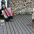 Enfant, musicien Pont des arts_7607