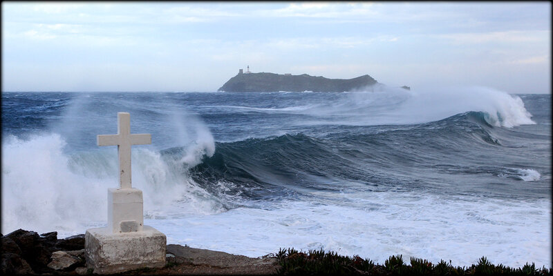 Tempete_et_vagues_12_departements_en_vigilance_orange