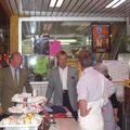 B Hortefeux et A Vatanen au marché St Pierre à Clermont-FD