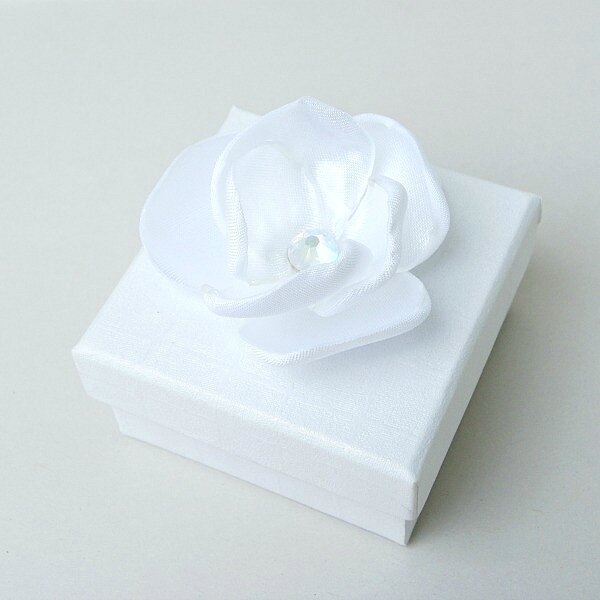 boite-porte-alliance-fleur