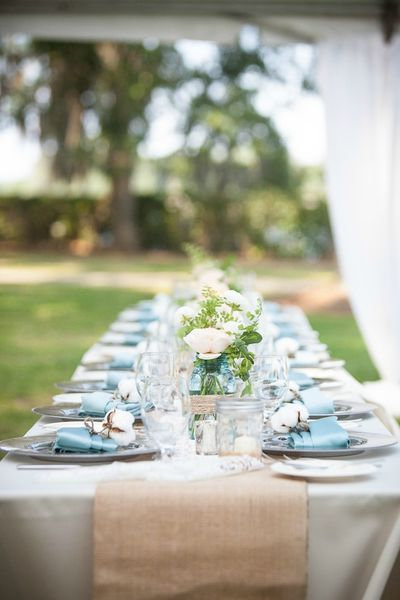 Southern-wedding-burlap-table-runner