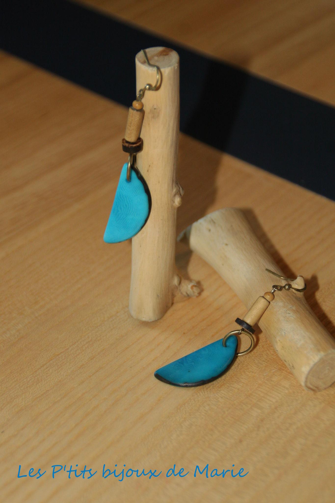 Boucles nacre végétale turquoise