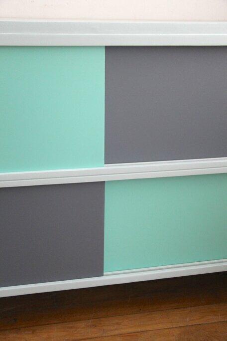 meuble-vintage-a-portes-coulissantes-couleurs