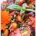 Salade de tomates au thym frais et capucines !!