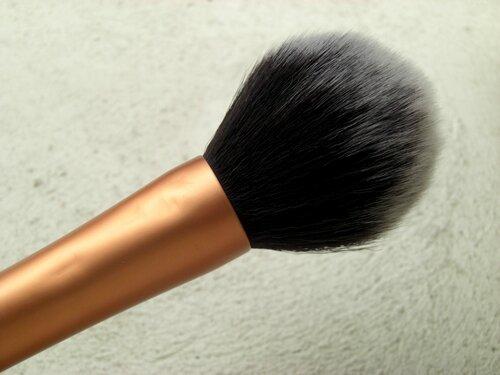 pinceaux teints real techniques pinceau poudre blush contouring bronzer pnceau doux touffu princesse affreuse (3)