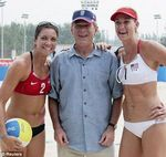 george_w_bush_adore_volleyball_plage_L_4