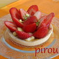 Tartelettes aux fraises et aux pistaches  la crme ptissire (d'aprs les recettes de C. Michalak et P. Herm)