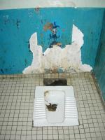 1119932_6_e75f_les-toilettes-d-une-cellule-7cf38