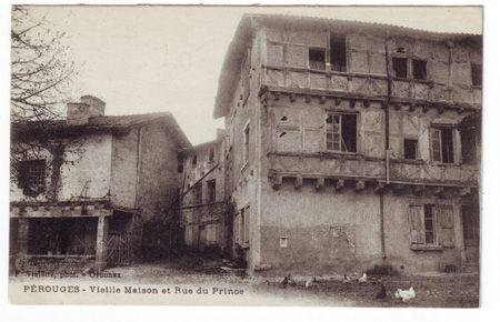 01 - PEROUGES - Rue du Prince