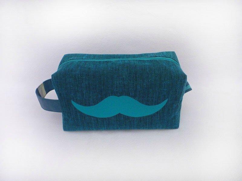 Trousse toilette homme bleu canard chiné et moustache turquoise (1)