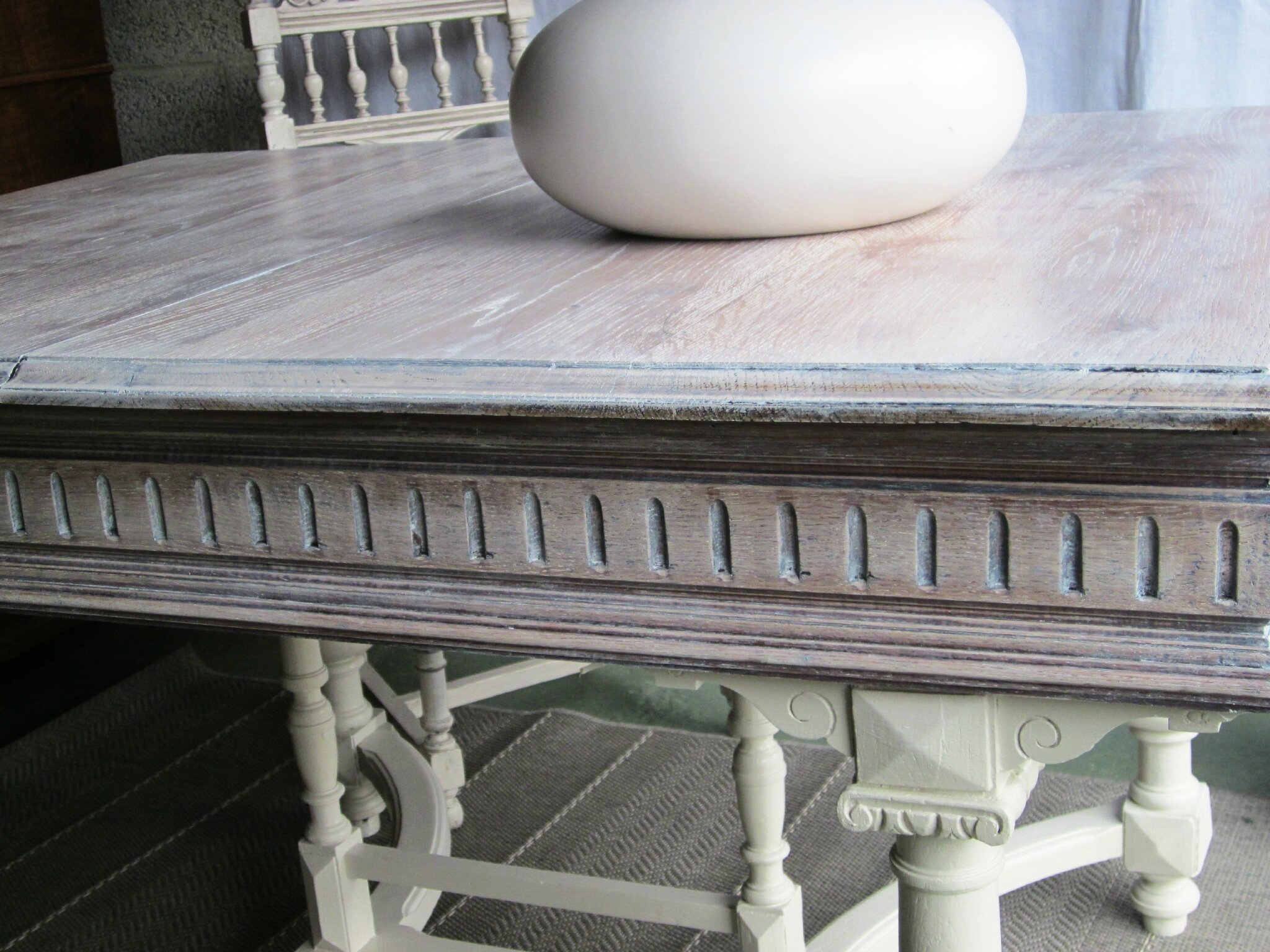 Une table Henri II reprend vie
