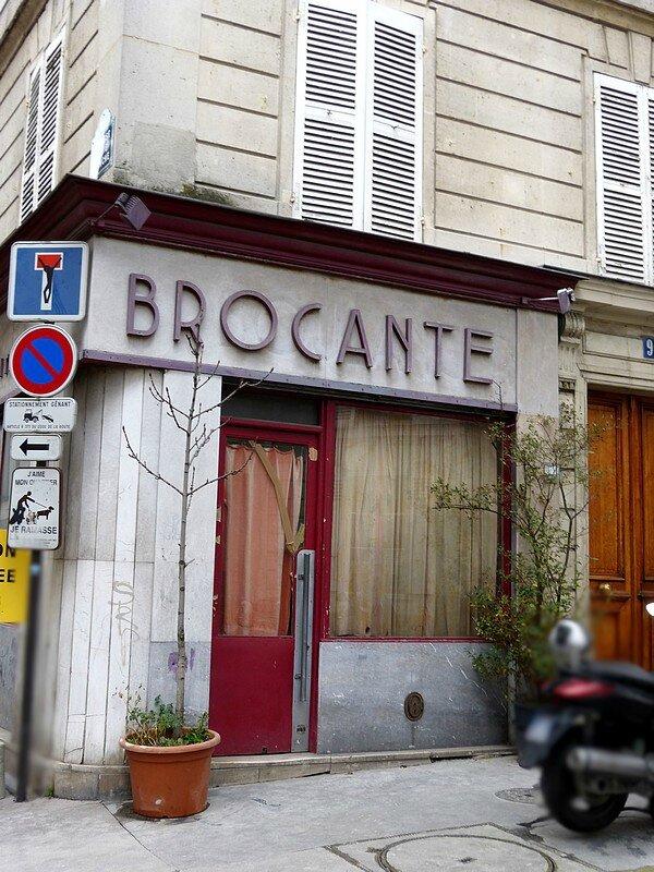 BROCANTE RUE M18