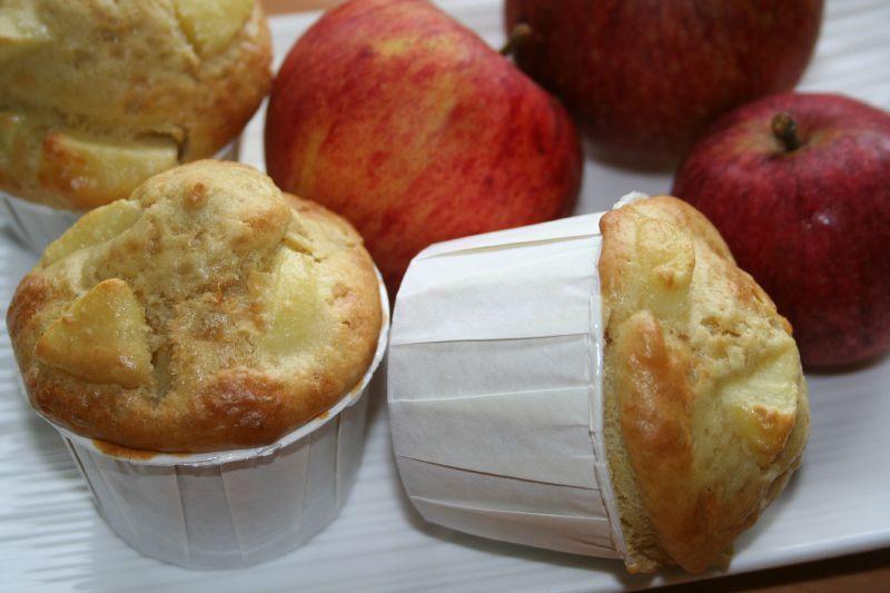 muffins aux pommes et la fleur d 39 oranger sans beurre. Black Bedroom Furniture Sets. Home Design Ideas