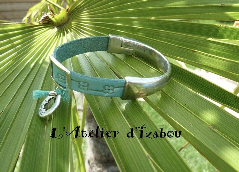 Bracelet demi jonc bonheur et cuir turquoise, pompons