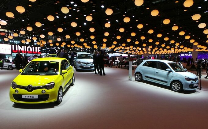 twingo_stand_g_image_photo_leader