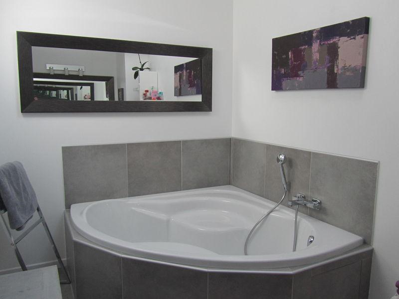 22 salle de bains ambiance beton inox toile camaieu photo de deco 39 39 les ambiances. Black Bedroom Furniture Sets. Home Design Ideas