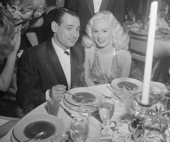 1957-12-21-LA-beverly_hilton-grand_ballroom-thalians_annual_dinner-mamie_ray-2