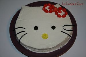 gateau_chocolat_chantilly_hello_kitty