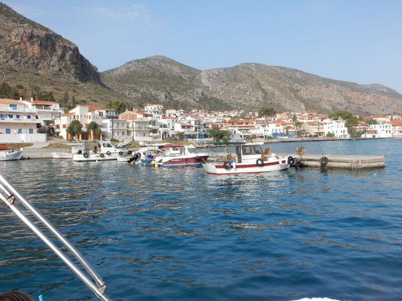 Le petit port de Monemvasia 081116