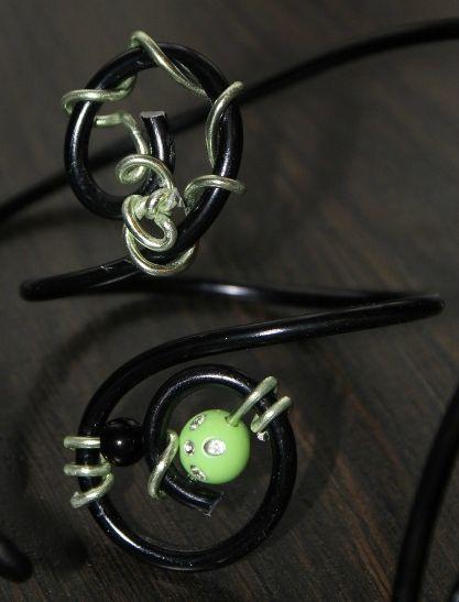 parure (46-2) vert-noir