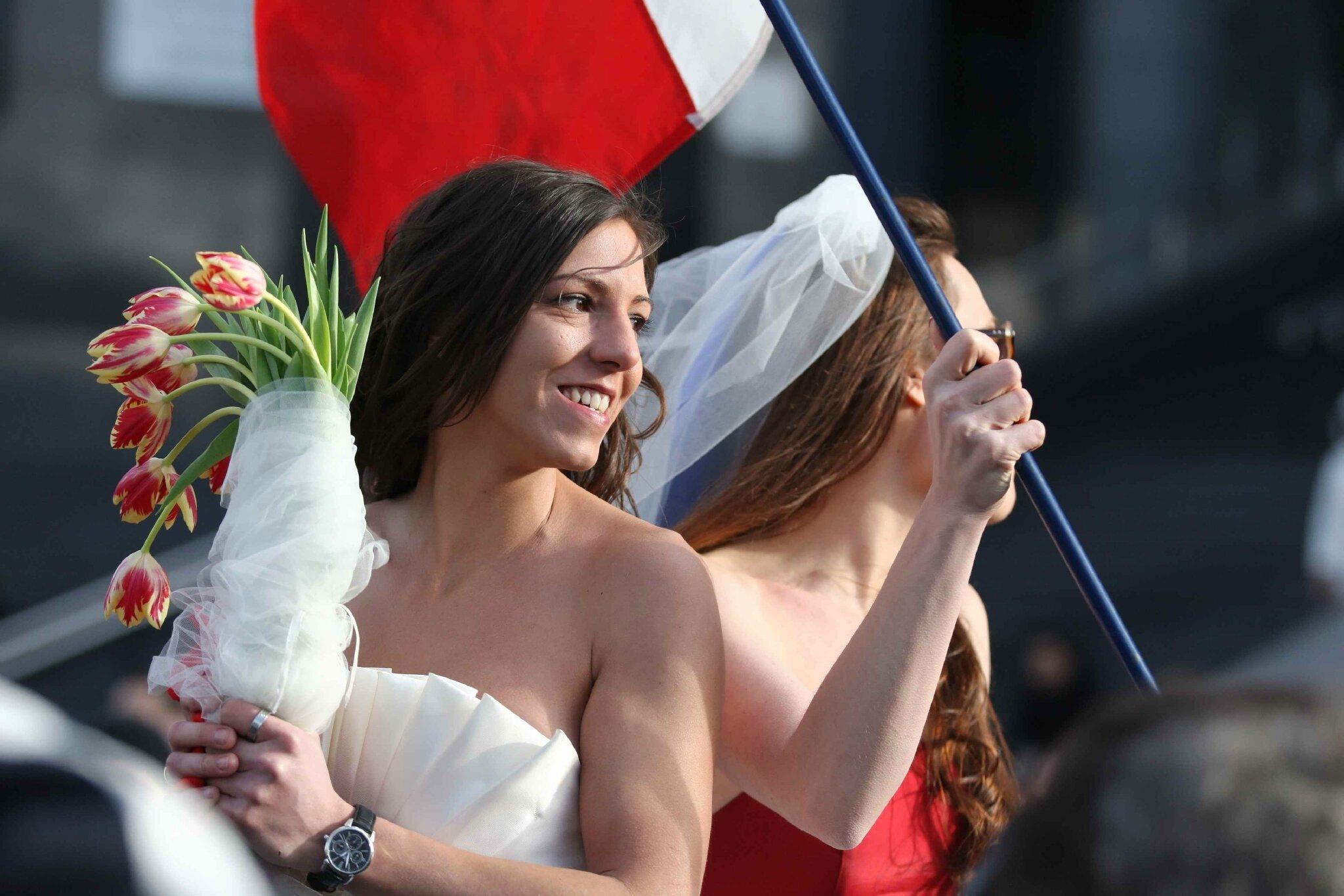 Les partisans du mariage homosexuel manifestent… © Photo Michel Stoupak. Dim 16.12.2012, 12:58.