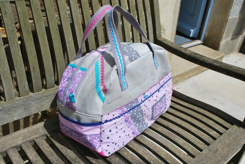sac à langer gris et rose 017