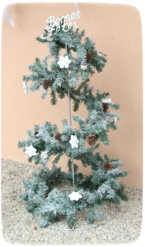 No l th me blanc sapin d 39 ext rieur photo de d co - Decoration de noel exterieure ...