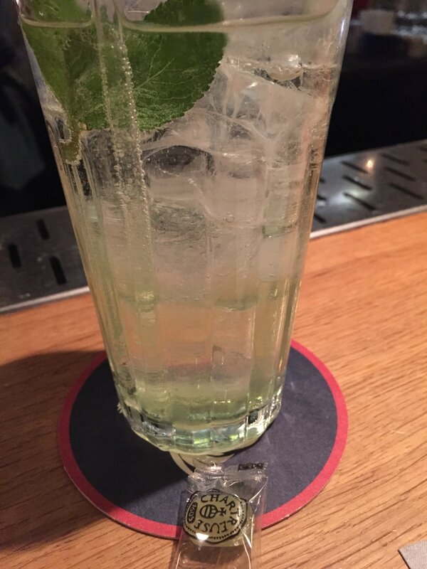 Chartreuse verte green collins