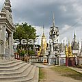 327_Kompong Cham_pagode en bordure du Mékong