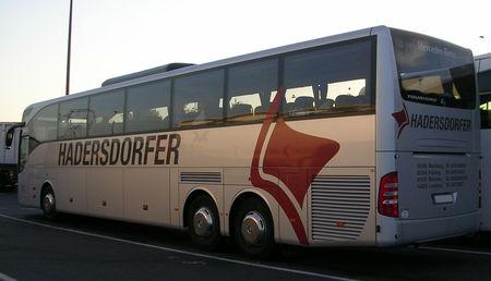 Mercedes_tourismo__Hadersdorfer___Quelques_part_sur_une_aire_d_autoroute__02