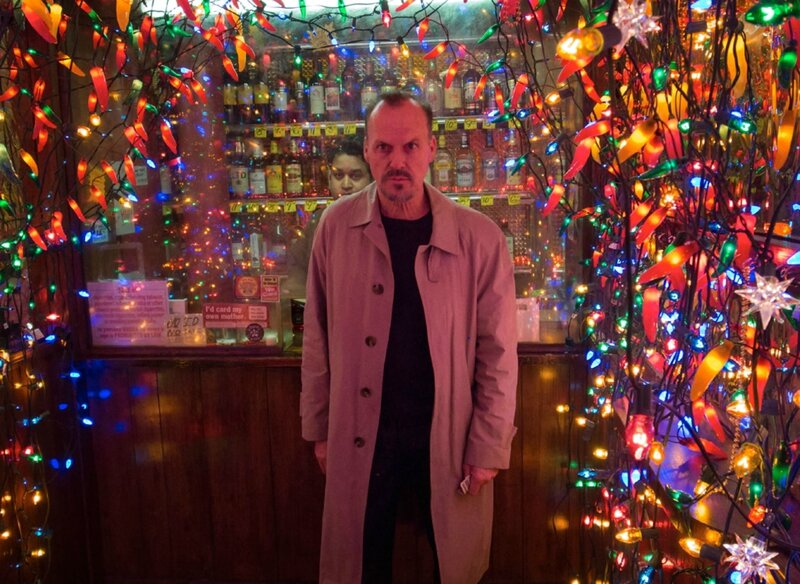 birdman-michael-keaton-christmas-lights-1