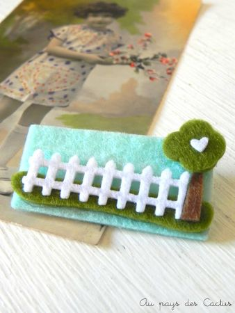 Broches feutrine maison bleue Au pays des Cactus 4