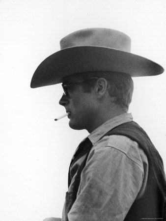 5793279_Actor_James_Dean_Clad_in_Western_Garb_for_His_Role_on_the_Set_of_the_Movie_Giant_Affiches