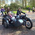 keukenhof emmanuelm nicole dans une vieille moto russe