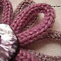 Broche en laine