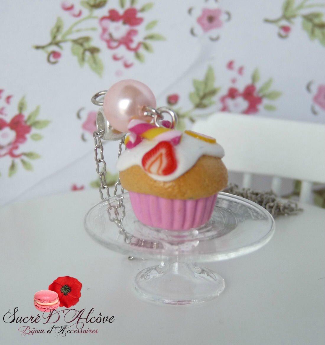 Collier gourmand cupcake fraise (4)