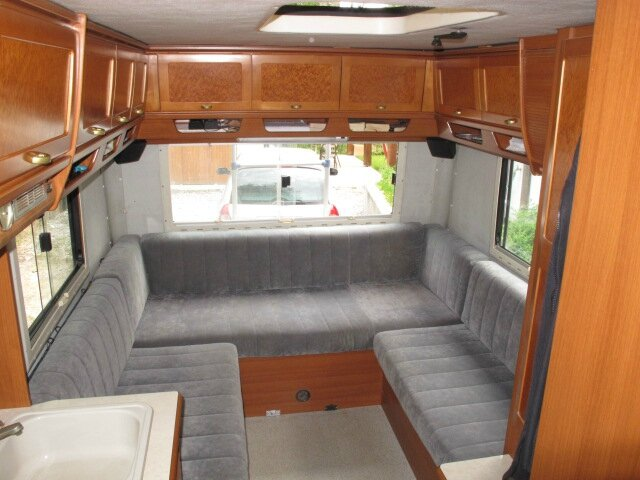 Camping car hymer mercedes for Interieur camping car
