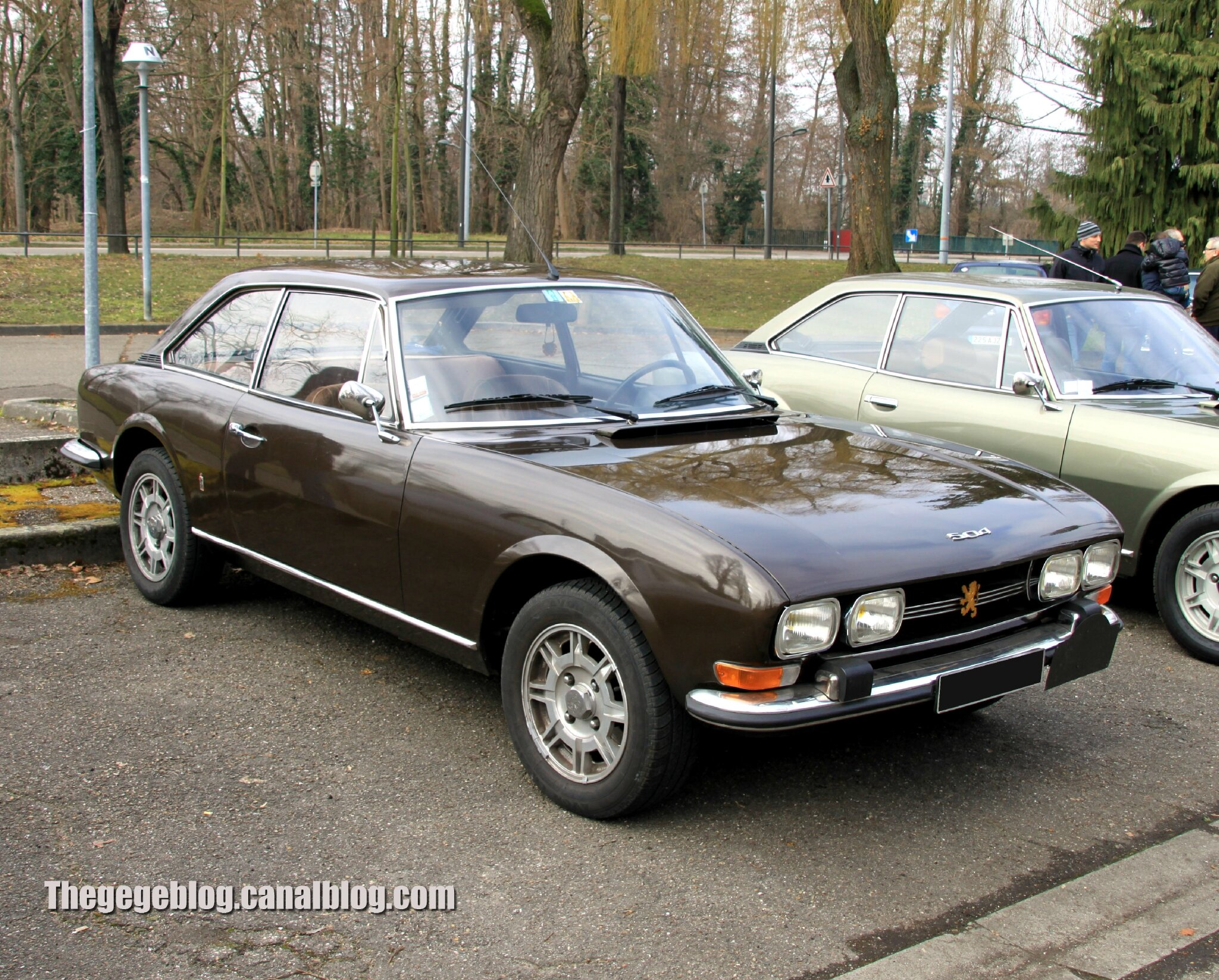 Peugeot 504 coupé (Retrorencard mars 2013) - The gégé blog