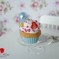 Collier gourmand cupcake chantilly fraise menthe (3)