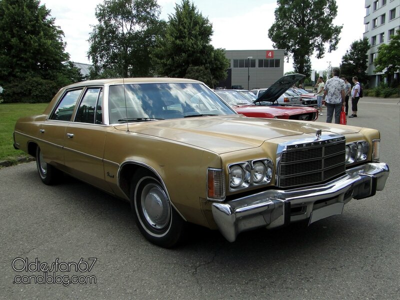 chrysler-newport-sedan-1977-3