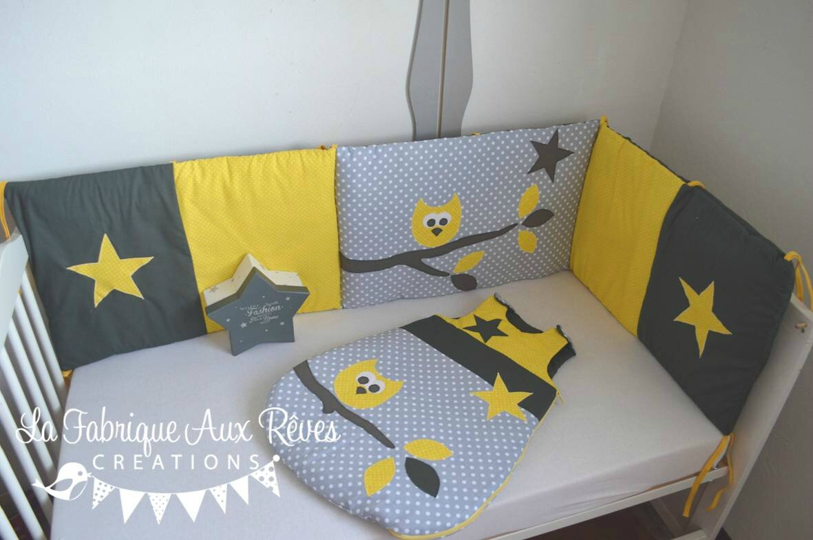 Th me jaune gris blanc album photos gigoteuse et tour de lit b b d coration chambre - Decoration hibou chambre bebe ...