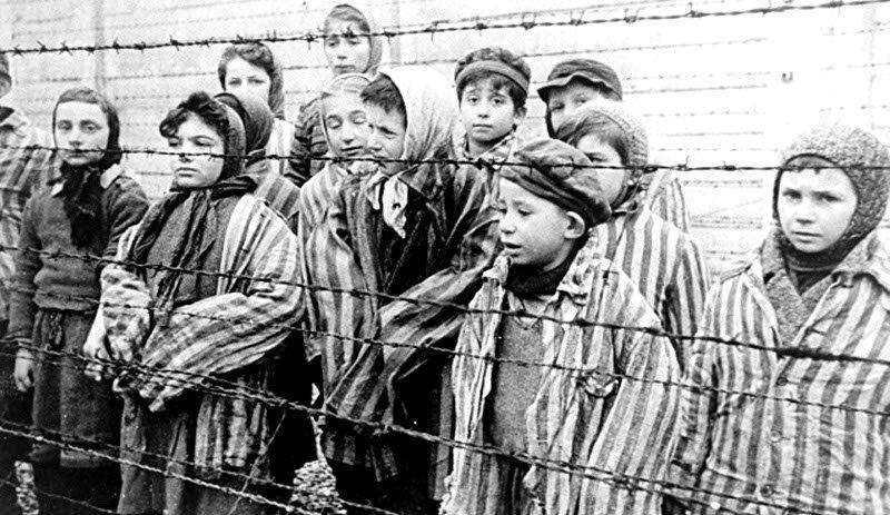 1941-enfants a Auschwitz