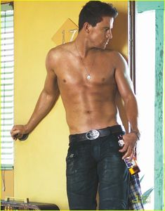 Channing_Tatum_Shirtless_for_GQ_s_Style_Issue_channing_tatum_19346098_956_1222