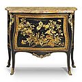Commode royale d'poque Louis XV. estampille de Mathieu Criaerd, livre en 1748 par Thomas Joachim Hbert