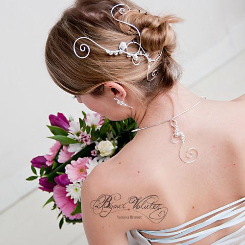 coiffures de mariage et accessoires cheveux mariage bijoux volutes mariage. Black Bedroom Furniture Sets. Home Design Ideas