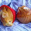 Muffins aux amandes et fraises des bois