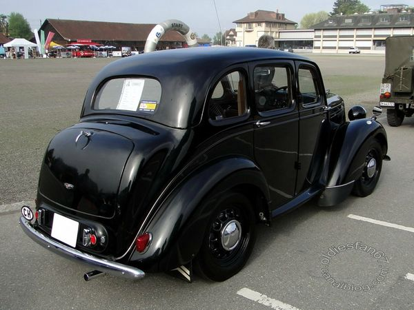morris ten saloon 1947 4