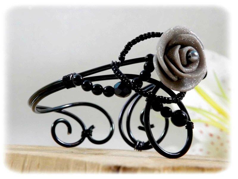 Bracelet noir et gris fil aluminium fimo fait main