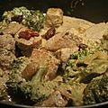 Curry de porc au lait de coco et au brocoli