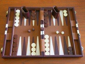 800px_Backgammon_board